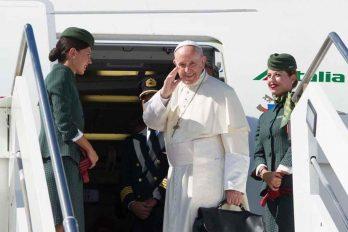 Las tres muestras de humildad del papa en su llegada a Colombia
