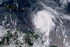 El huracán María devasta Dominica y amenaza otras islas