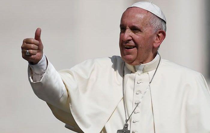 papa-francisco-lo-que-nadie-sabia-de-sus-zapatos-568332