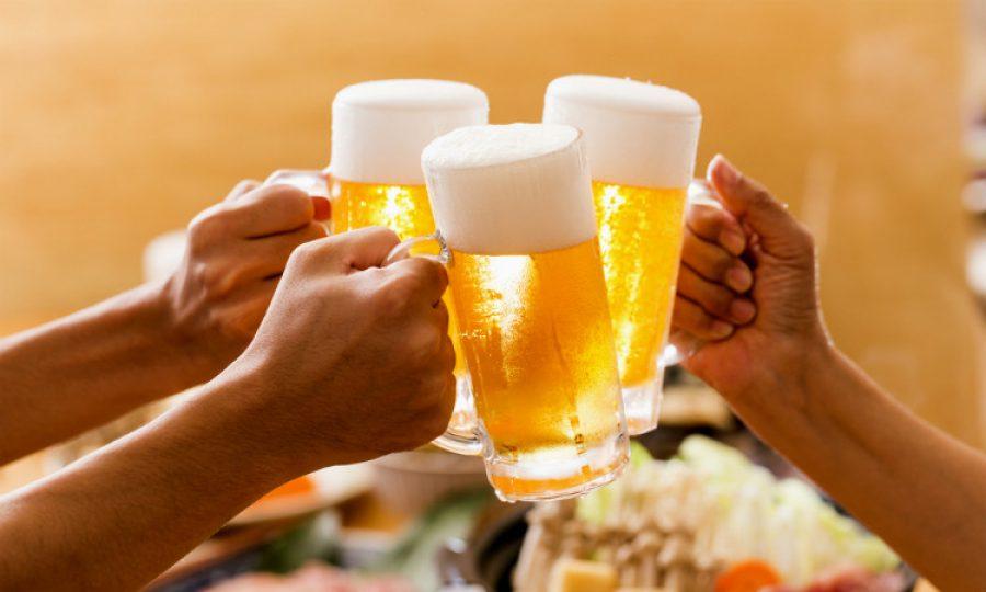 Podría cambiar la edad mínima para consumir alcohol