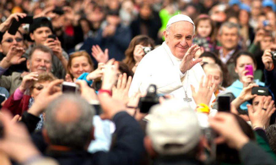 El tweet que no queremos que vea el Papa Francisco