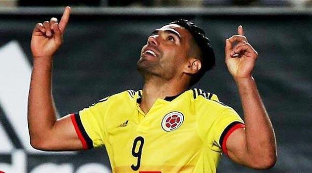 ¿Te diste cuenta de este gesto de amor de Falcao en el partido contra Paraguay