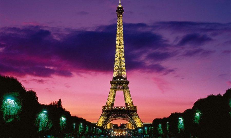 Ya no hace falta ir a París a conocer la torre Eiffel. ¡Descubre dónde están haciendo una replica en Colombia!