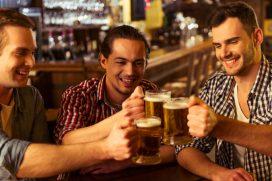 La noticia que encantará a los amantes del fútbol y la cerveza. ¡La medida irá hasta que termine el mundial!
