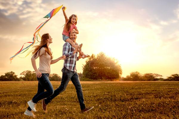 familia-feliz-parque