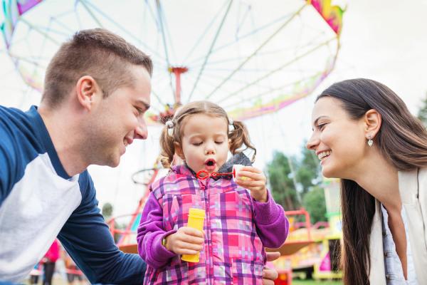 Lleva a tus hijos a un parque de diversiones