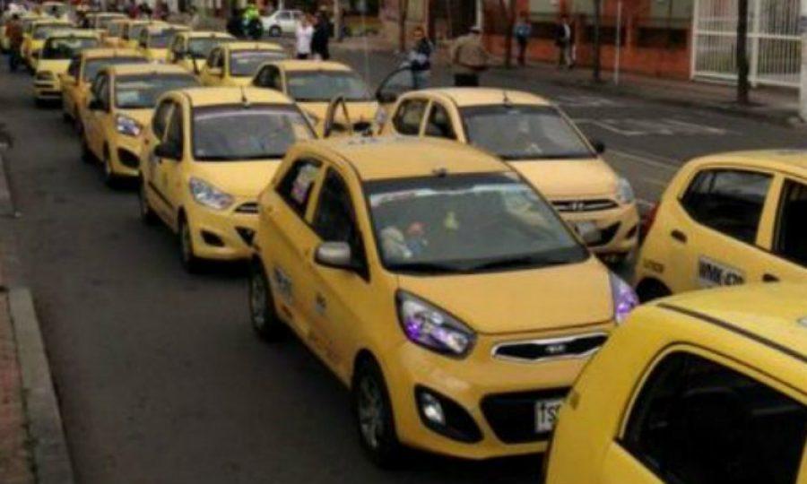 ¿Te gustaría que prohibieran los taxis 'zapatico' en Colombia?