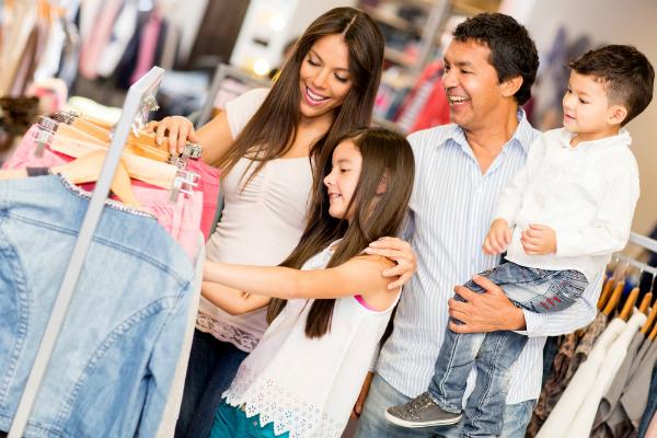 Compra ropa y viste bien durante el año