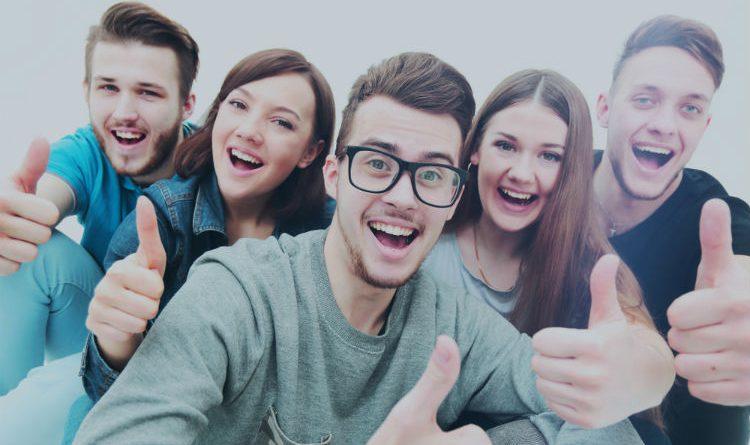 8 tips que te ayudarán a ser el centro de atención positivamente en cualquier lugar