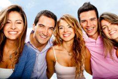Reír es muy saludable. ¡Conoce siete ventajas de hacerlo!