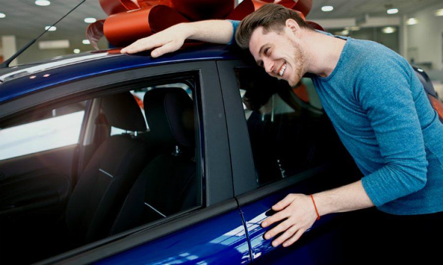 ¡Gana el dinero para un tener un automovil feliz!