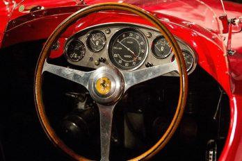 ¡Mantén tu carro clásico como nuevo con este dinero!