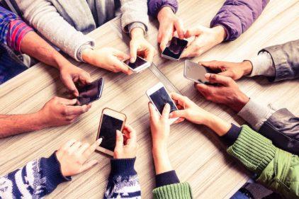 ¿Sabías que tu celular es culpable de la contaminación del planeta?