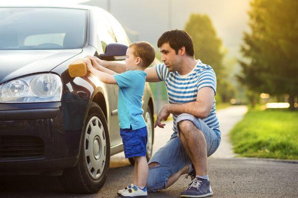 lavar-carro-papa-hijo