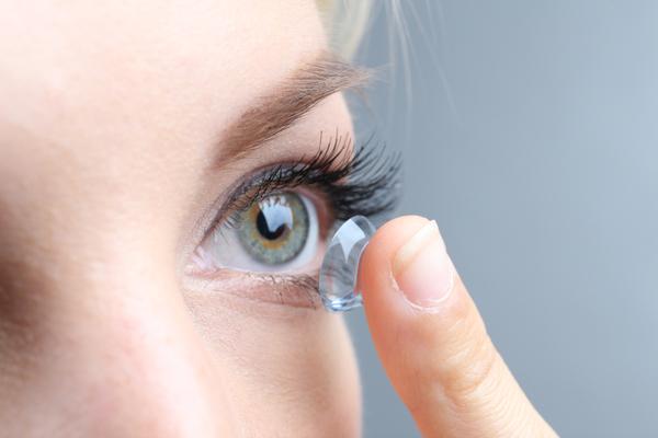 El-lente-se-puede-perder-detrás-del-ojo