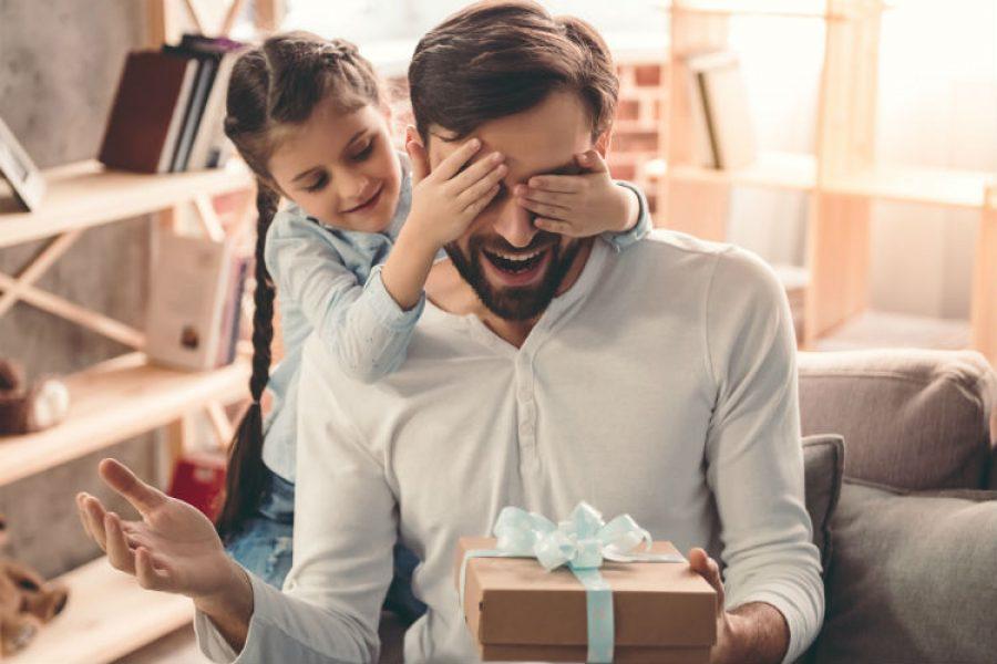 Ha llegado el momento de agradecerle a tu papá todo lo que hace por ti. ¡Feliz mes del padre!