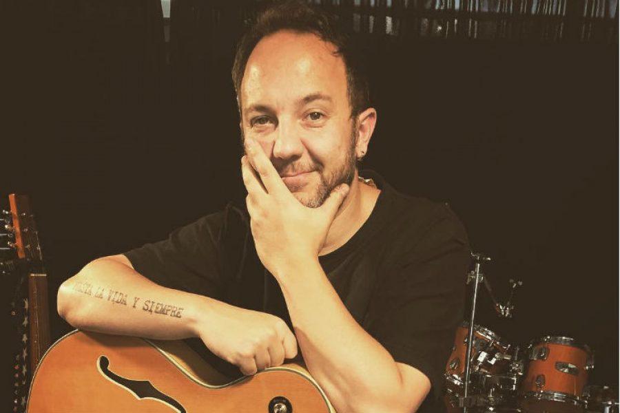 César López, el músico es el encargado de despedir las vacaciones en Bogotá. ¡No te lo pierdas!