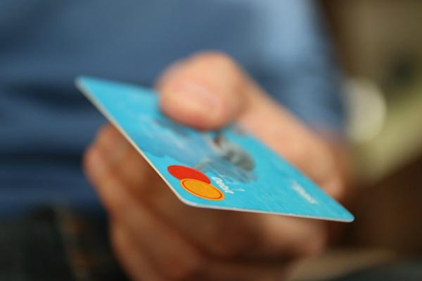 Asobancaria propone eliminar el 4 x 1.000 para transacciones financieras y que se aplique a pagos en efectivo
