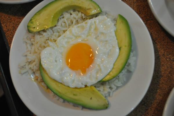 El arroz con huevo es la comida favorita de los colombianos según el Dane