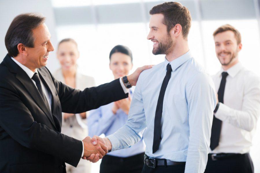 Enseña a tus empleados cuánto deben ahorrar cada mes y transmite conocimiento que les será útil toda la vida