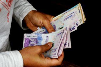 Así ha subido el salario mínimo en los últimos 18 años en Colombia y cómo van las negociaciones para el del 2019