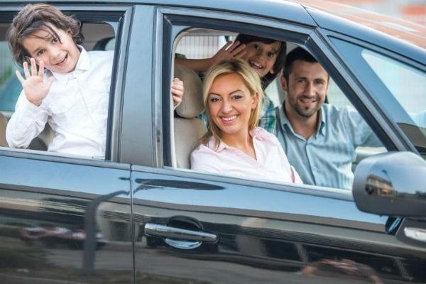 Súbete en el carro que soñaste