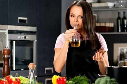 El aceite de oliva es bueno para ti ¡Obvio si es genuino! Descubre si te has dejado engañar 😓🤥