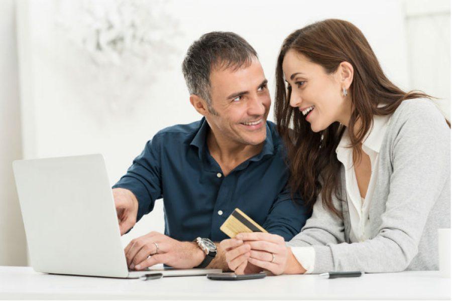 ¿Cómo ahorrar e invertir la prima? ¿Es mejor gastarla? Te contamos el mejor camino