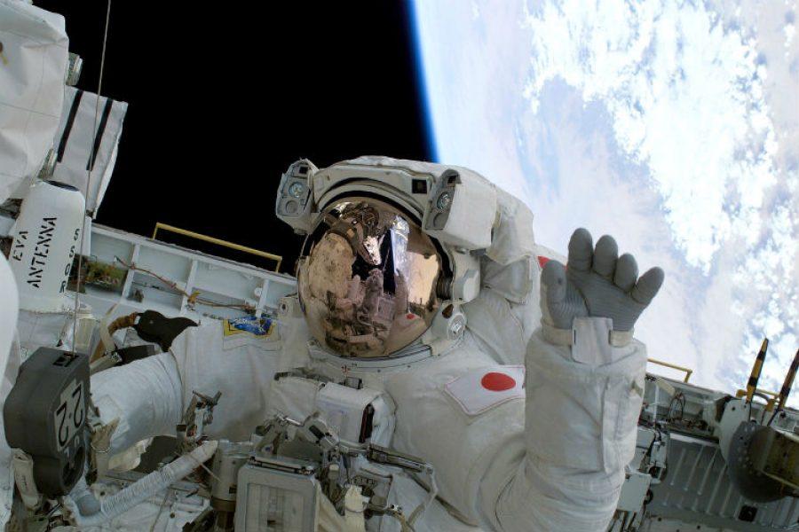 """No estás loco si soñaste con ser astronauta 👨🚀 ¡Paga esta """"módica"""" suma y viaja fuera de tu mundo! 🚀🛰️"""