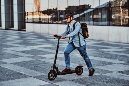 Las patinetas scooter te evitarán la enfermedad del siglo y otras razones más para tener una