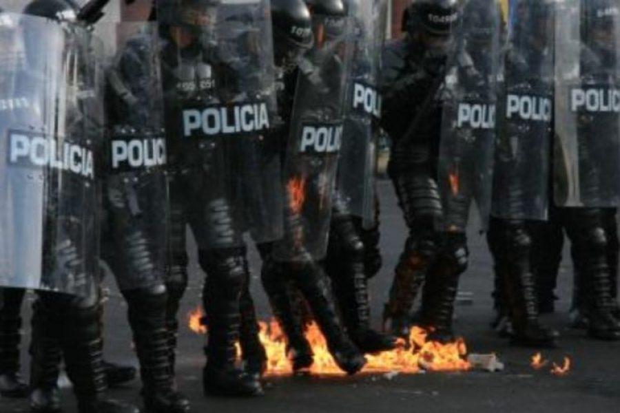Manifestantes en Cali ayudaron a Policía y evitaron que fuera linchado