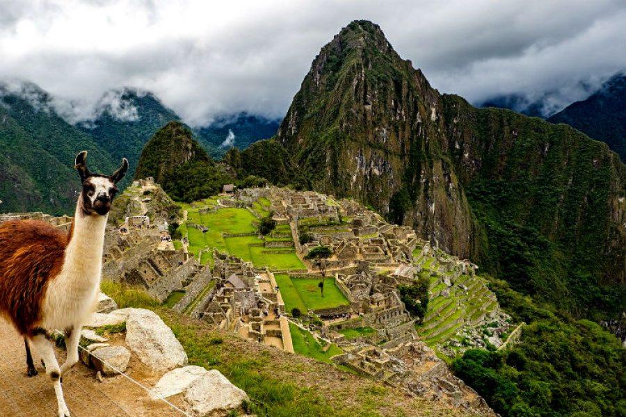 Machu Picchu prohíbe el ingreso de plásticos de un solo uso