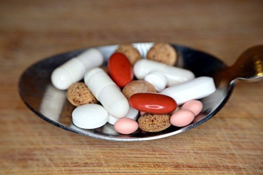 Aspirina y otros cócteles que prometen curar en COVID-19, ¡Mucho cuidado!