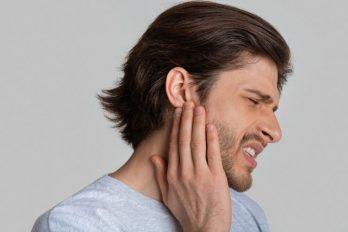Estudios revelan los peligros para el oído por el COVID-19