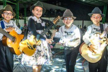 Los niños carrangueros que quieren transmitir con su música el orgullo campesino
