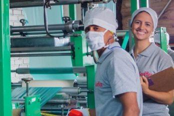 Proyecto con indígenas Nasa fabrica bolsas de almidón de yuca, ¡respira el planeta!