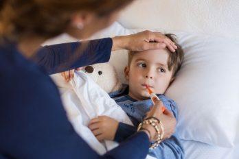 Síntomas de COVID-19 en los niños y recomendaciones de los pediatras ante un contagio