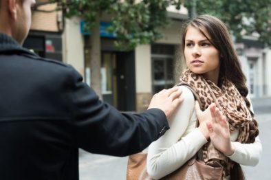 Piden 4 años de cárcel a los que digan piropos vulgares en lugares públicos