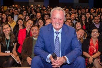 Arturo Calle recibe tremendo reconocimiento por parte de miles de colombianos