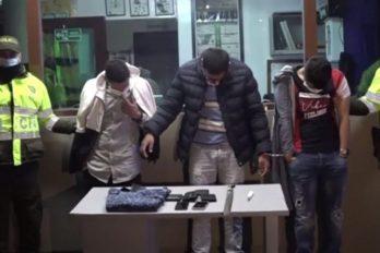 Apuñalan a mujer porque se le enredó el manos libres del celular ¡Los capturaron!