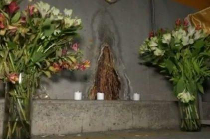 Aseguran aparición de la Virgen en el parqueadero de una panadería en Colombia
