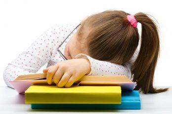 Por exceso de tareas muere niña tras un derrame cerebral, ¡Cuidado padres de familia!
