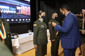 Policía cumple 129 años y recibe reconocimiento de la Gobernación de Cundinamarca