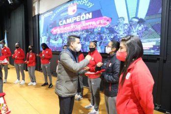 """""""Leonas"""" de Santa Fe campeonas 2020 reciben merecido reconocimiento"""