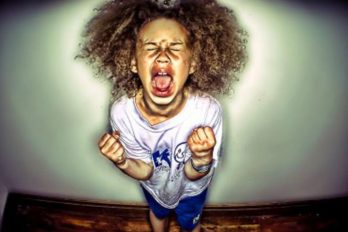 La sorprendente reacción de un padre ante el berrinche de su hija