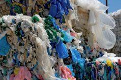 Kenia prohibe las bolsas de plástico