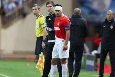 Mira el duro golpe que sufrió Falcao en partido de la Champions League