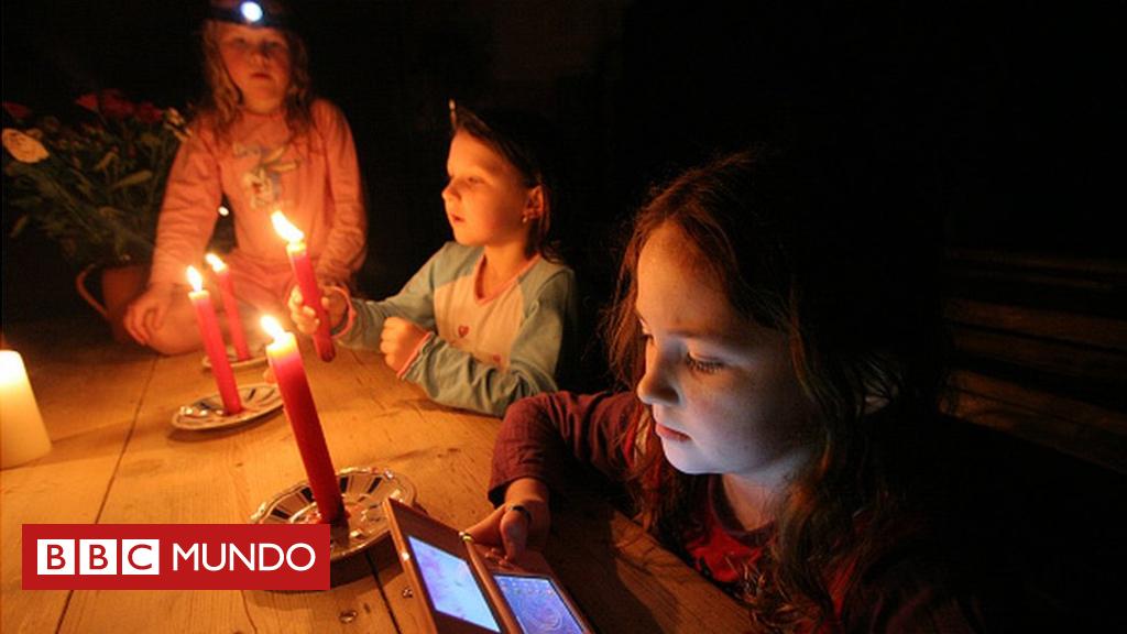 Comocargareltelefonocelularcuandonotieneselectricidaden3sencillospasos-BBCMundo