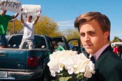 La original propuesta de este chico a Emma Stone para que le acompañe a su baile de graduación