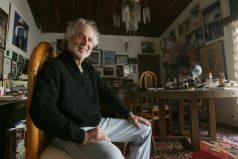 Aboga actor Hugo Stiglitz por defender la cultura mexicana ante Trump